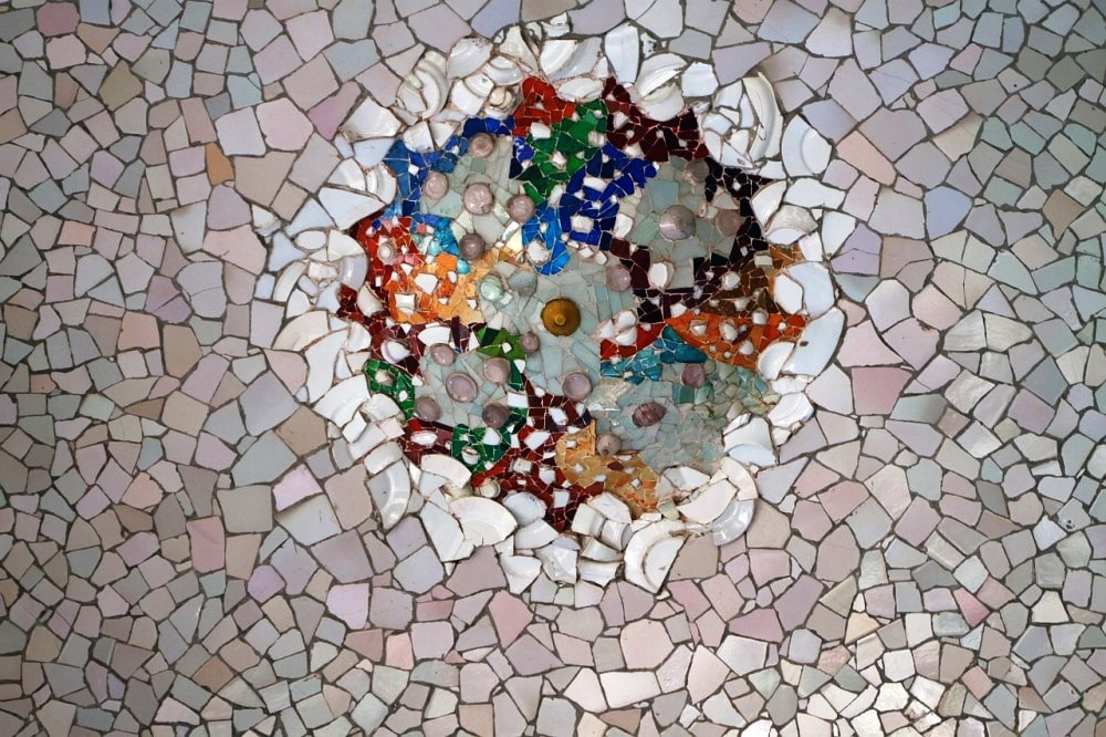 how to make a mosaic from broken plates and tiles